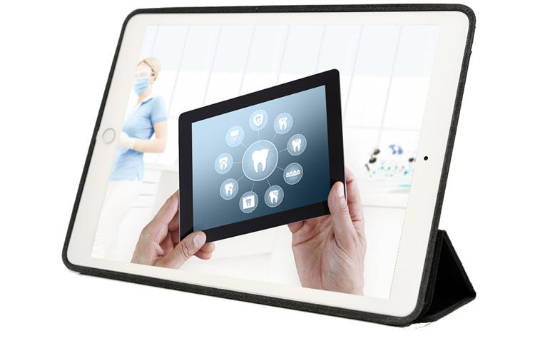 EINSATZ_SEO_mobil_Zahnarzt_Tablet mit Abbildung von Zahnarzt Website